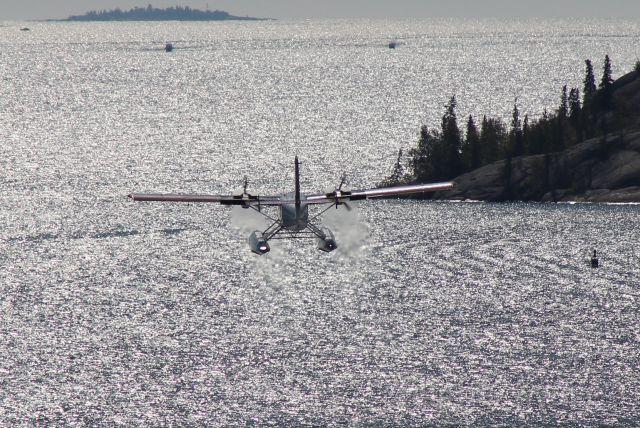 De Havilland Canada Twin Otter (C-GNPS) - TAKE OFF EAST BAY