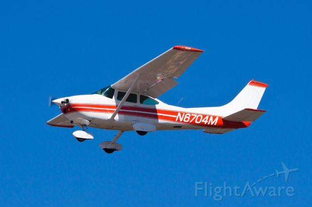 Cessna Skylane (N6704M)