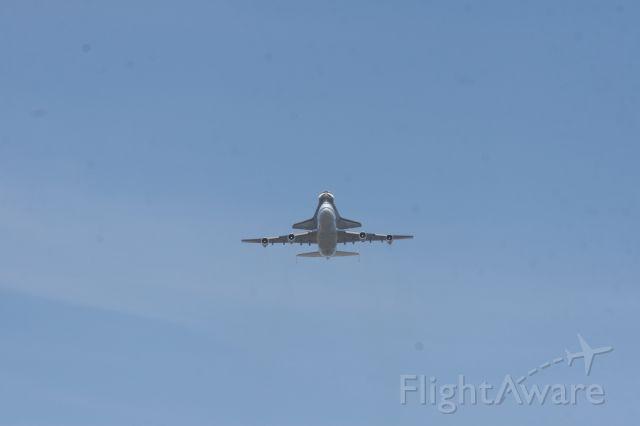 — — - Endeavor's last flight 9-21-2012. On low approach to Moffett Field, Mountain View, CA.