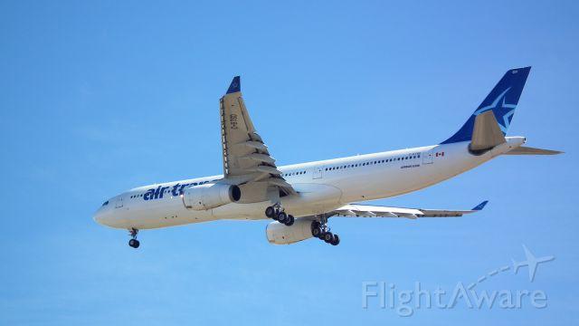 Airbus A330-300 (C-GTSD) - Landing flight TSC732 from Toronto to Madrid