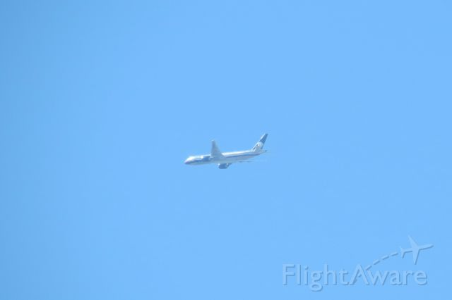 Boeing 777-200 (N745AM) - AMX99 Shanghai-Tijuana-Mexico City