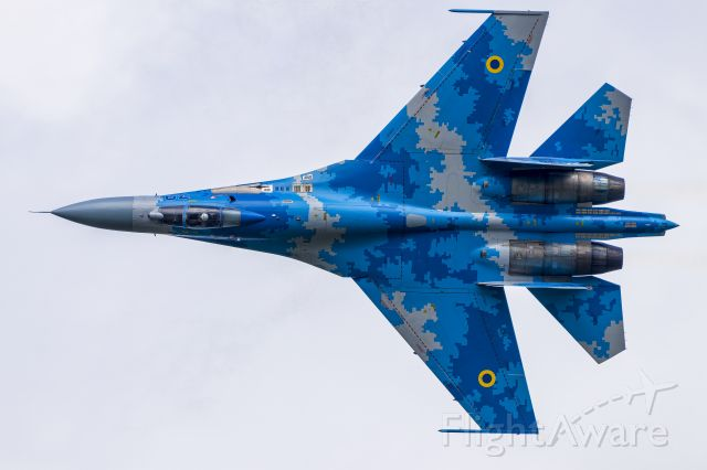 Sukhoi Su-27 Flanker —