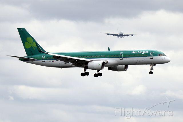 Boeing 757-200 (EI-CJX) - 'Shamrock 1 Alpha Charlie' from Shannon on short final to 27 as 'Speedbird 13 Golf Super' is inbound to 33L