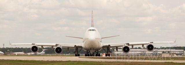 Boeing 747-400 (N465MC) - #OMG!!!! #HeadOnShot