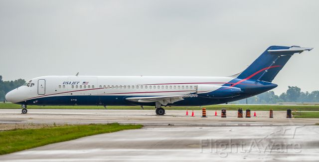 McDonnell Douglas DC-9-30 (N205US) - Snapped this at the London, Ontario Airshow, unfortunately the weather was crap and they cancelled the show the day I was there! This was the only shot I got...