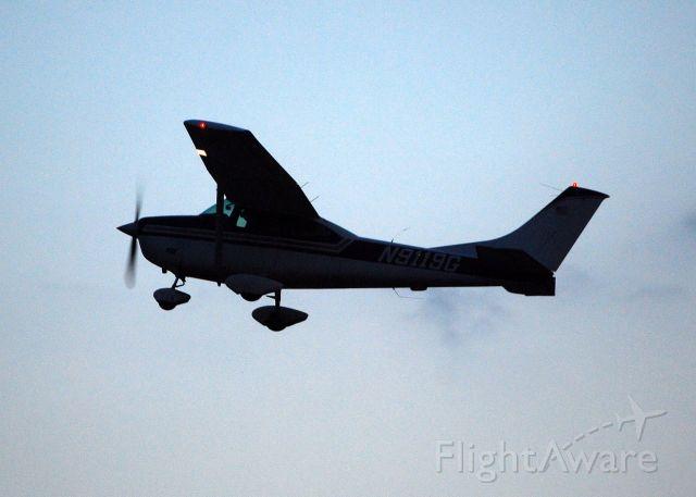 Cessna Skylane (N9119G)