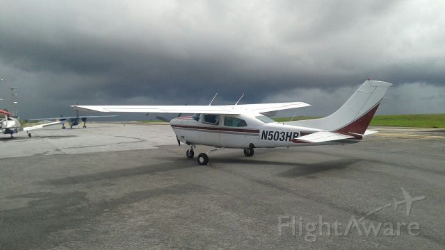 Cessna Centurion (N530HB) - Landed in heavy rain, here just one hour later its about to provide another deluge !