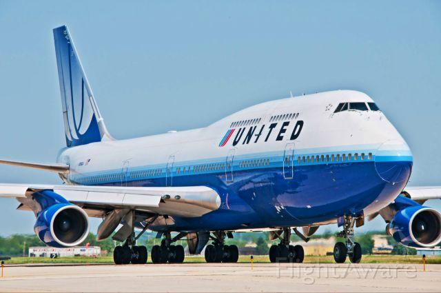 Boeing 747-400 (NI99UA)
