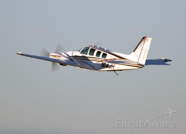 Beechcraft Baron (58) (N14JH) - Take off RW35. Very professional pilots.
