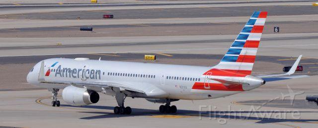 Boeing 757-200 (N201UU) - phoenix sky harbor international airport AAL854 07MAR20