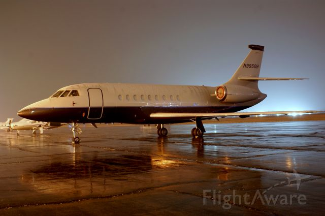 Dassault Falcon 2000 (N995GH) - Sitting on the ramp overnight