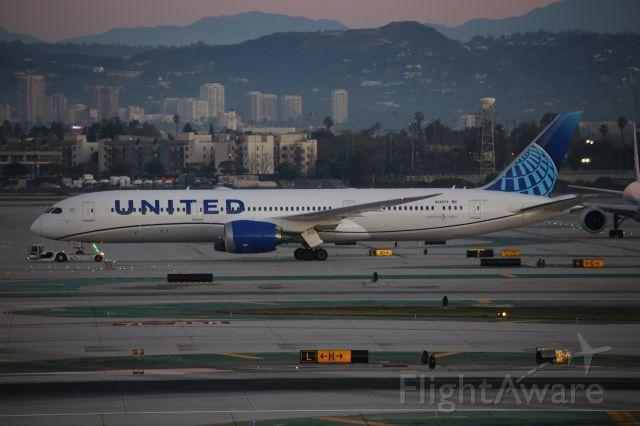 Boeing 787-9 Dreamliner (N24979)