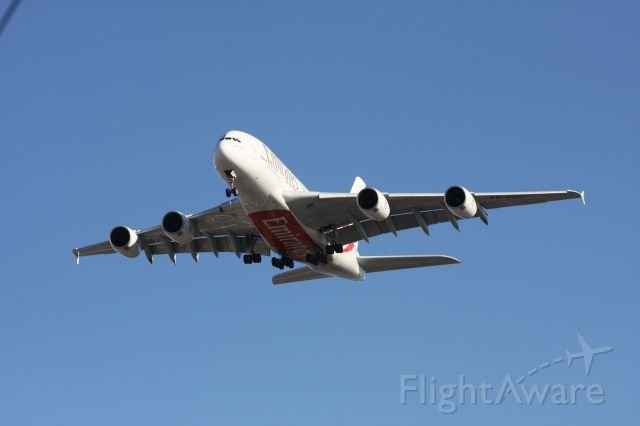 Airbus A380-800 (A6-EDC) - on approcah to 31L