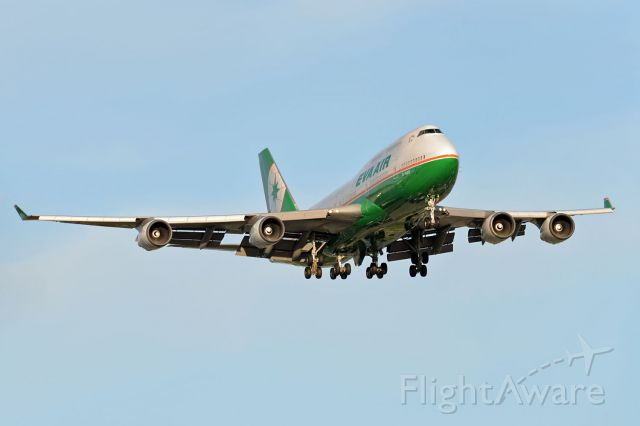 Boeing 747-400 (B-16412)