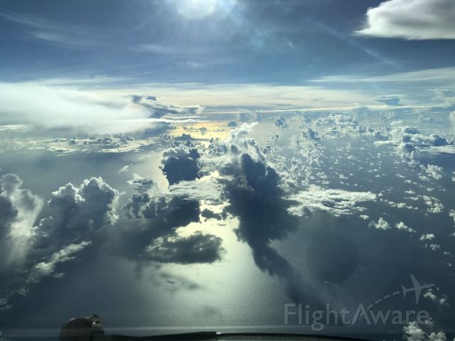 Boeing 777 (2777UA) - Descending over the Pacific