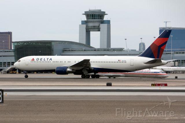 BOEING 767-300 (N127DL) - N127DL taking off 25R
