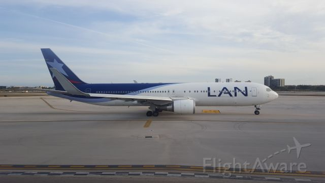 BOEING 767-300 (CC-CXG) - Boeing 767-316(ER)(WL) serial 36712 / 972br /KMIA