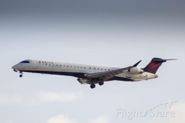 Canadair Regional Jet CRJ-900 (N813SK) - SkyWest dba Delta Connection landing at LAX