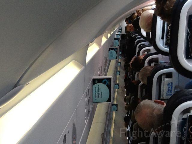 Airbus A320 (ZK-OJQ) - Cabin shot