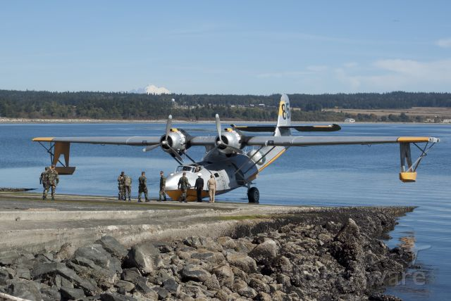 N85U — - Trying to get up the ramp at Oak Harbor Seaplane base (WA) but stuck: Nose wheel did not come out...