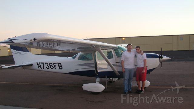 Cessna Skyhawk (N736FB) - KDVT before leaving for KFRG.