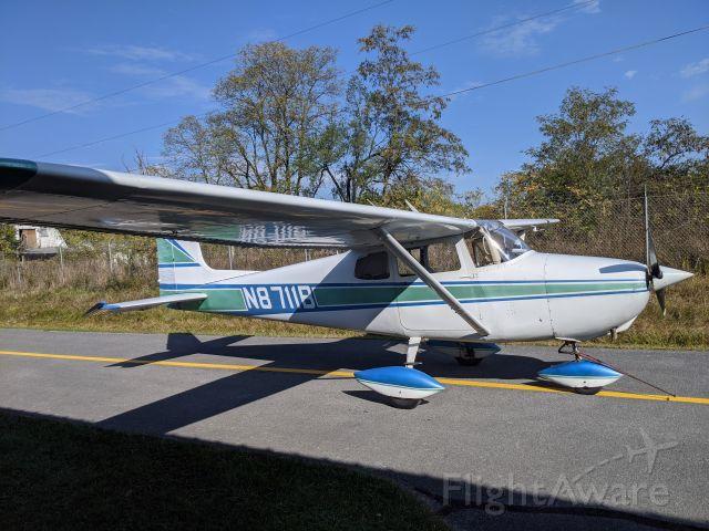 Cessna Skyhawk (N8711B) - 1957 Cessna 172