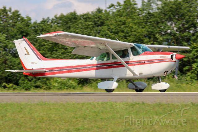 Cessna Skyhawk (N63512)
