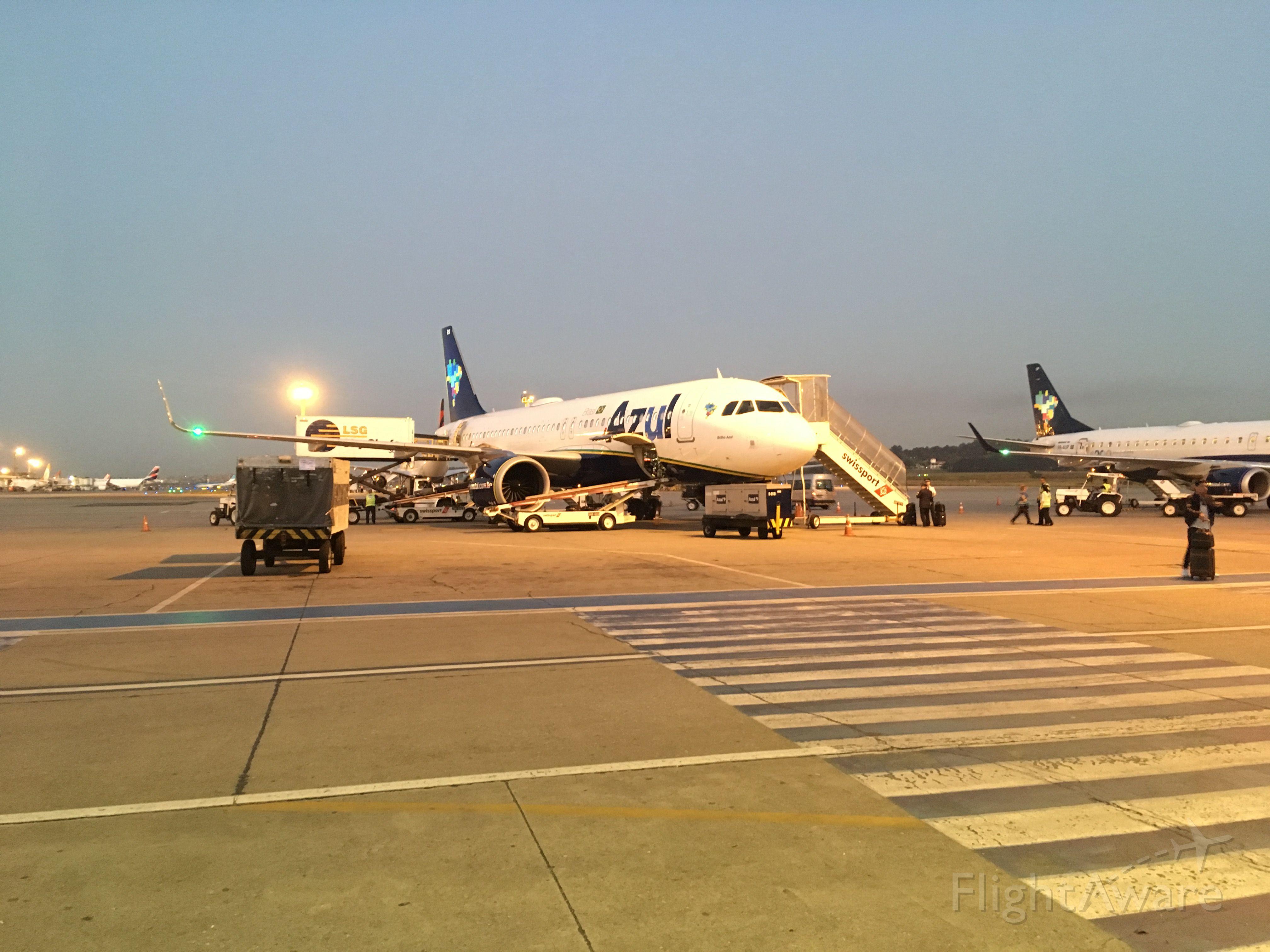 — — - Aeroporto de Guarulhos