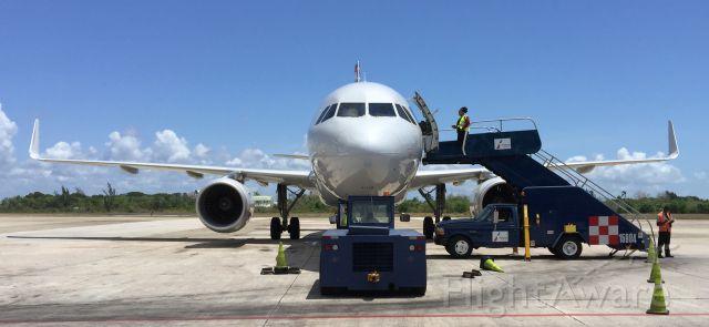 Airbus A319 (N9017P)