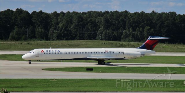 McDonnell Douglas MD-88 (N951DL) - N951DL in from ATL - a Mad Dog I have known and loved.