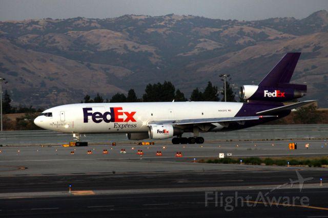 Boeing MD-11 (N562FE) - FEDEX Departure - 30-L