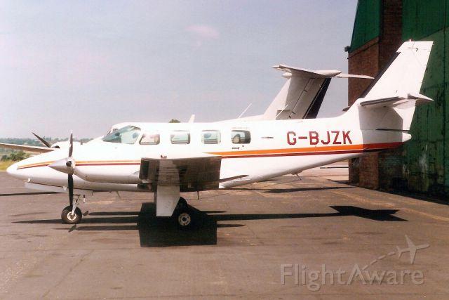 Cessna T303 Crusader (G-BJZK) - Seen here in Jun-89.<br /><br />Reregistered N303MK 22-Jul-93,<br />then G-DOLY 20-Jul-94.