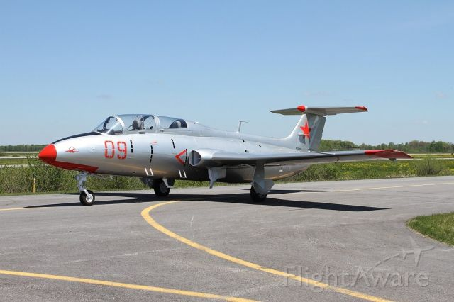 Aero L-29 Delfin (N21KE) - Photo courtesy of: Jeremy Dando