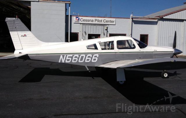Piper Cherokee (N56066)