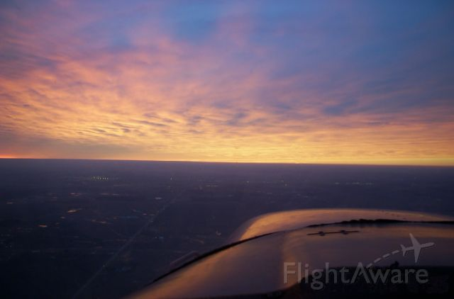 Piper Cherokee (N120BJ) - New Years Day 2007 filght at sunset in Indiana