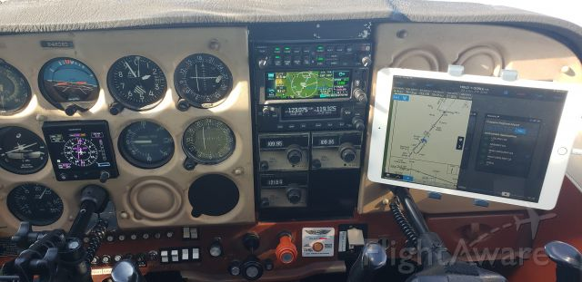Cessna Skyhawk (N4808D) - Testing out the newly installed toys