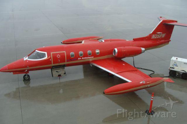 Learjet 25 (JLG25)