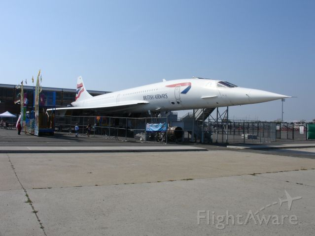 — — - The Concorde was temporarily moved to Floyd Bennett Field in Brooklyn from late 2006 to late 2008 whilst the Intrepid aircraft carrier and the pier at which she was berthed underwent restoration.