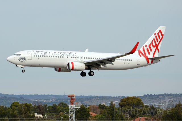 Boeing 737-800 (VH-VUS) - On short finals for runway 05. Thursday, 8th May 2014.