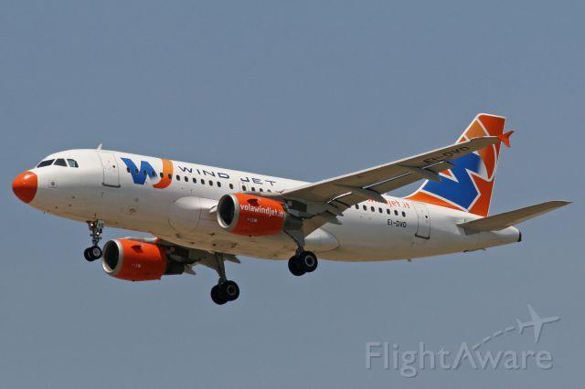 Airbus A319 (EI-DVD)