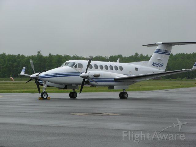 Beechcraft Super King Air 300 (N394S) - 2008 BEECHCRAFT SUPER KING AIR 300 ready for next assignment. (Photo taken 5/28/09)