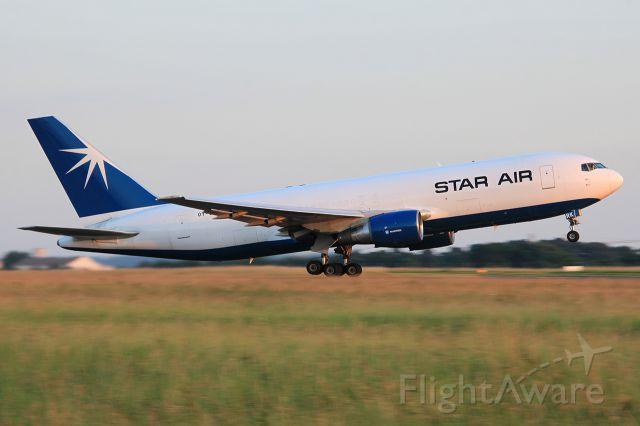 BOEING 767-200 (OY-SRK)