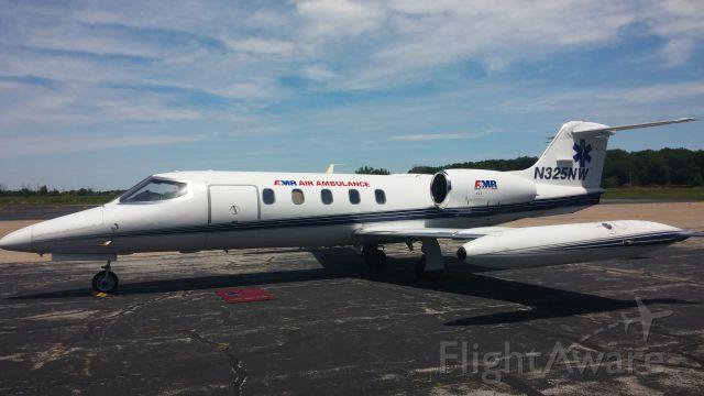 Learjet 35 (N325NW)