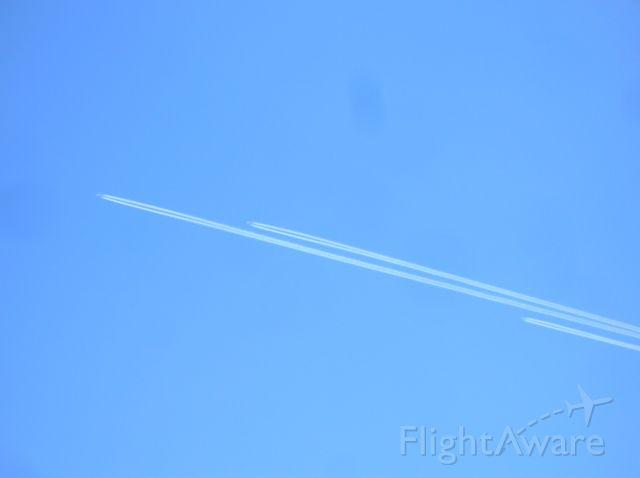 Boeing Globemaster III (C17) - Flight of three C-17s over Hill AFB, Utah. Heading for KTCM.