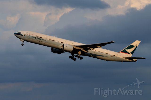 BOEING 777-300 (B-HNE) - BHNE  Boeing 777-367 c/n:27507 L/N:94 Cathay Pacific Airways : 2015/08/20