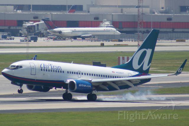 Boeing 737-700 (N336AT)