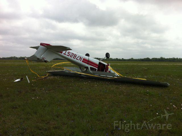 Cessna Skyhawk (N7825T) - Quartering tail wind take off.