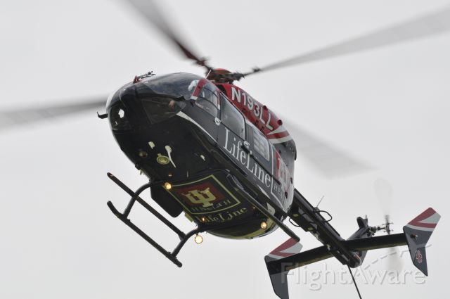 N193LL — - N193LL descends into Sullivan (Indiana) Community Hospitals helipad for a PR during EMS Week 2011.  This SPIFR rotorcraft runs as LifeLine 3, serving a vast area of west central Indiana and east central Illinois.