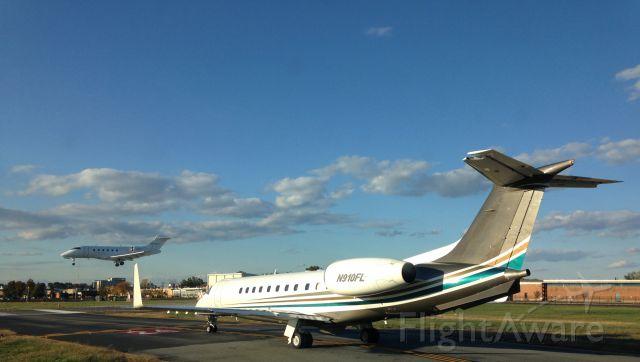 Embraer ERJ-135 (OPT910) - Waiting for takeoff Runway 24 KTEB while XO Jet Challenger 300 lands.
