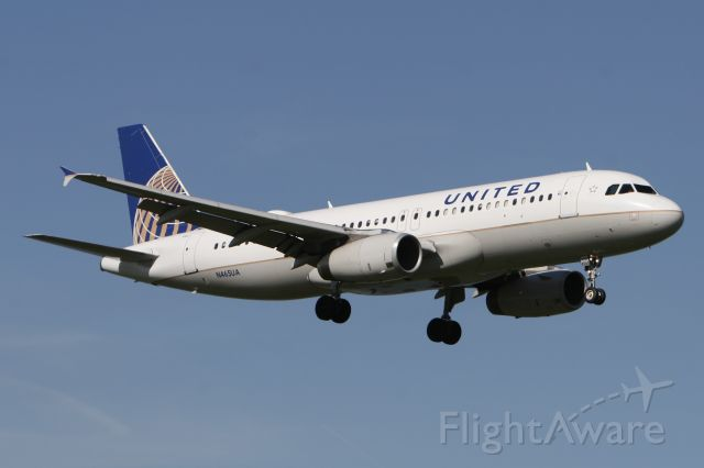 Airbus A320 (N465UA) - April 21, 2014 - arrived Washington Reagan